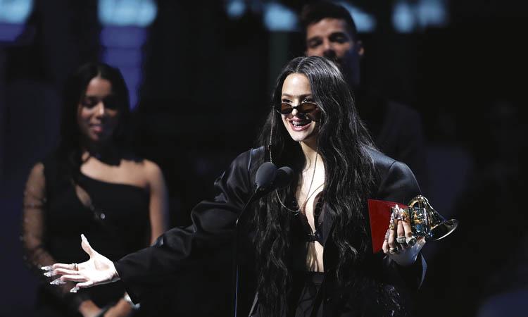 Rosalía arrasa als Grammy Llatins amb 'El mal querer'