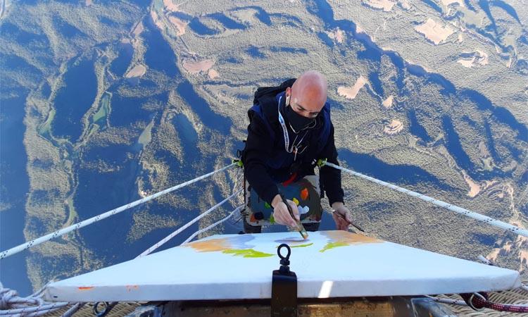 Markus D bat el rècord Guinness en pintura aèria