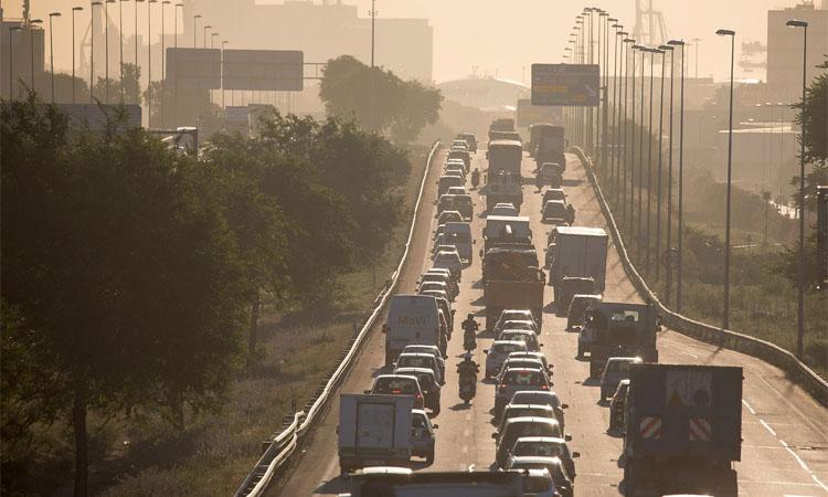 La contaminació a la ciutat cau un 60%