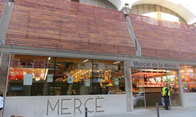 El mercat de la Mercè celebra els 60 anys en plena forma