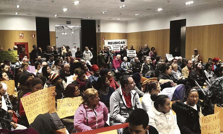 Tensió a l'Audiència Pública pels últims desnonaments
