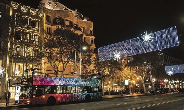Barcelona Comerç vol més llums de Nadal als eixos perifèrics