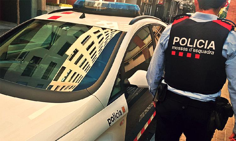 Identificades 35 persones en un operatiu policial a tres bars