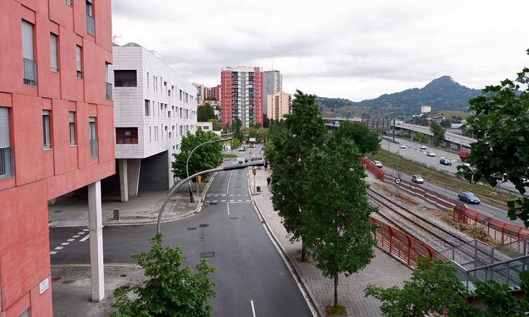 Un barri amb dues cares: un matí a Torre Baró