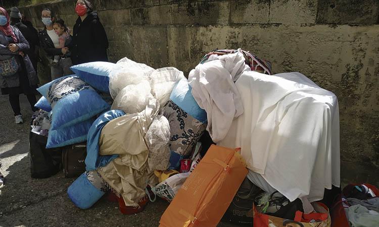 Els veïns de Ciutat Meridiana diuen prou als desnonaments