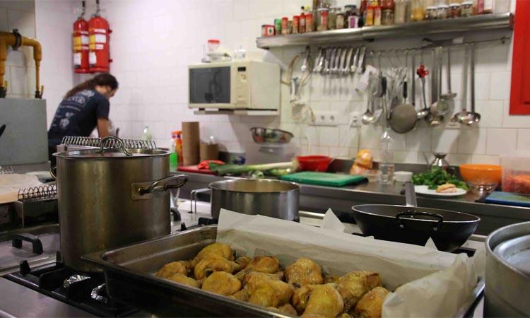 L'Ateneu Popular 9 Barris impulsa El Menjador Col·lectiu