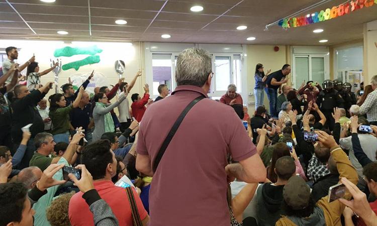 Les càrregues de l'1-O a l'escola Víctor Català s'investigaran