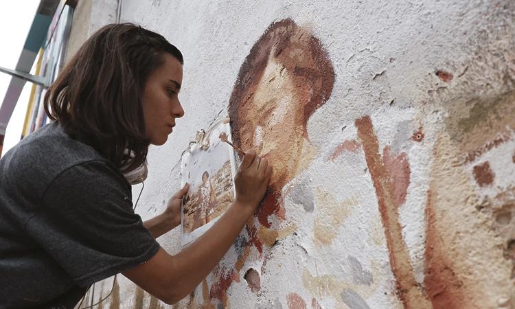 El festival B-Murals omple la Nau Bostik d'art urbà
