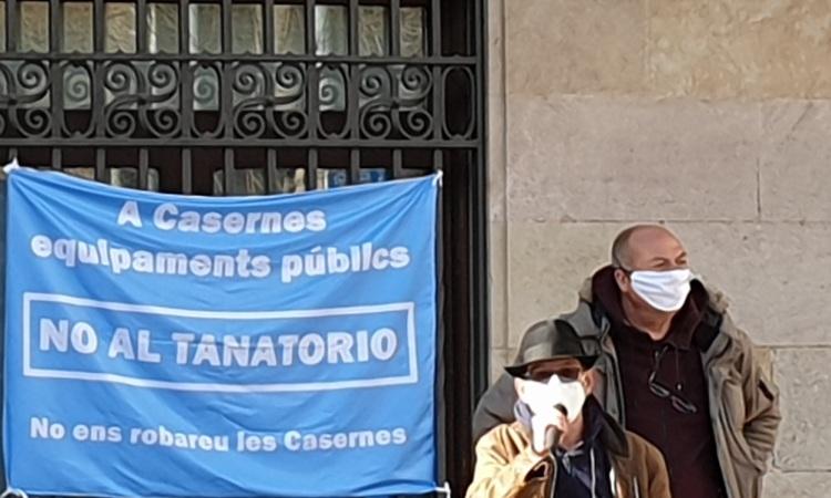 """Clam veïnal contra el """"tripijoc"""" de l'Ajuntament i el CZF amb les Casernes"""