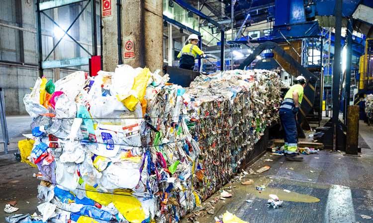 L'AMB redueix la taxa de residus als comerciants