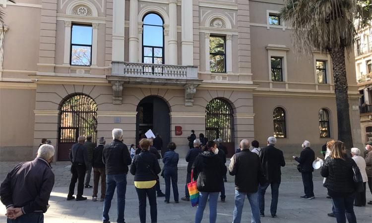 Nova protesta veïnal contra la cuina fantasma de la Verneda i la Pau