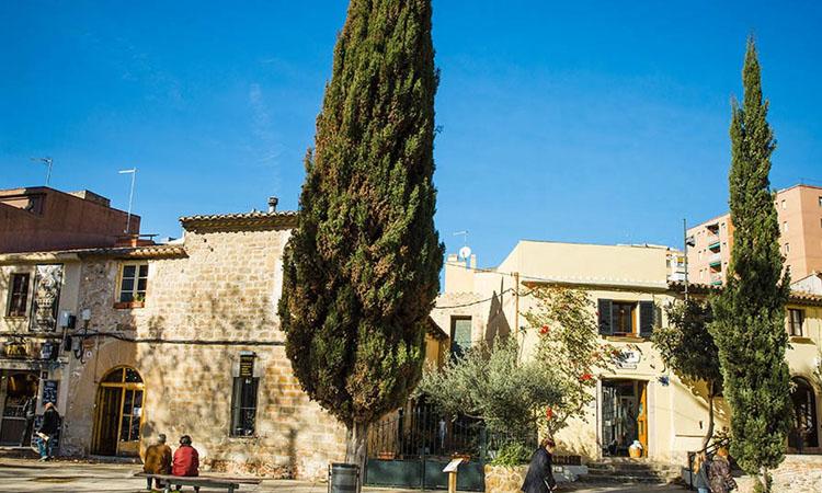 Ca n'Artés: l'hostal medieval que resisteix a Nou Barris