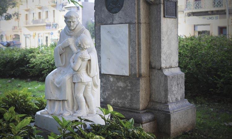 Fra Ponce i el seu alumne: un homenatge als sordmuts