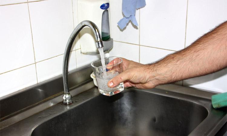 Unes 60.000 famílies de l'àrea metropolitana no pagaran els dos primers trams de l'aigua