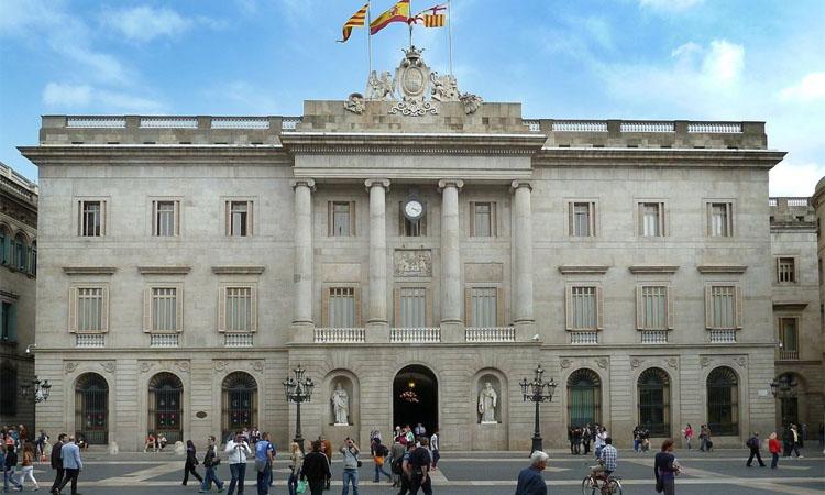 El Pacte per Barcelona rep crítiques veïnals i empresarials