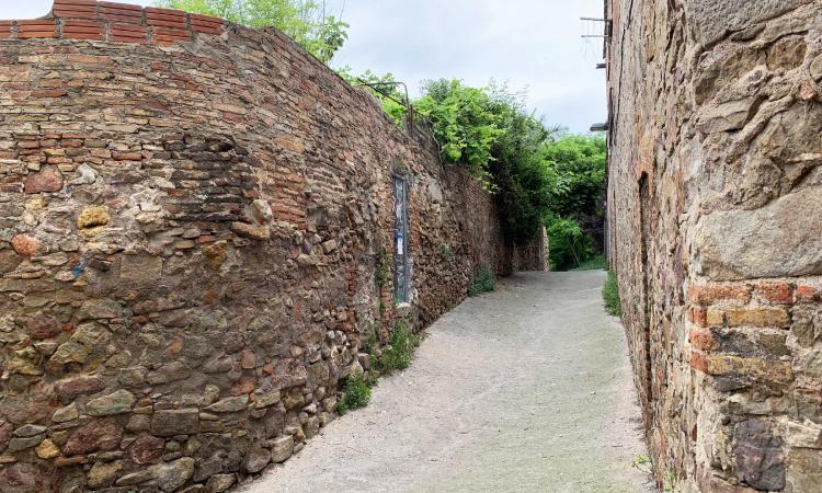 L'Ajuntament multarà un promotor per derruir un mur d'origen romà a la Satalia