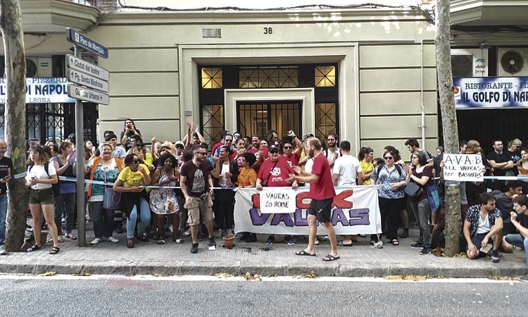 Nova amenaça de desnonament per a les famílies del Bloc Llavors