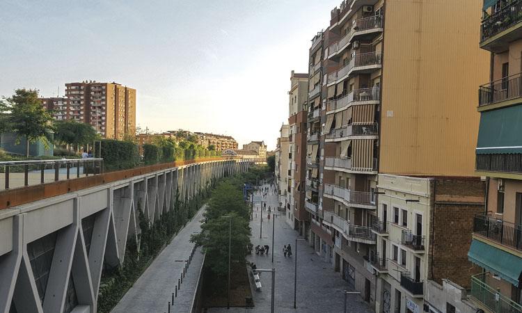 Llogar un pis a Sants-Montjuïc ja costa 865 euros de mitjana