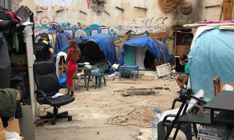 Alliberats al Poble-sec dos germans obligats a prostituir-se i treballar al carrer per a la seva família