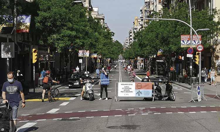 Els talls de trànsit al carrer de Sants i Creu Coberta tornaran
