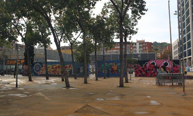 Colau descarta tancar el parc de les Tres Xemeneies a la nit