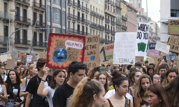 La marxa contra el canvi climàtic treu al carrer més de 20.000 persones