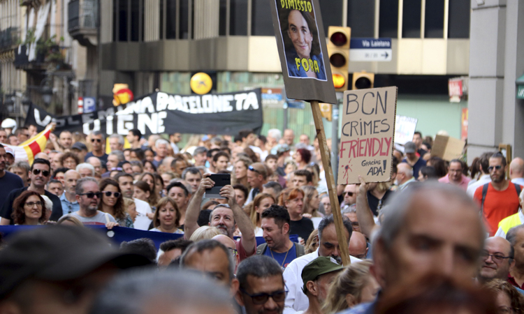 El Tsunami Veïnal surt al carrer per denunciar la inseguretat a la ciutat