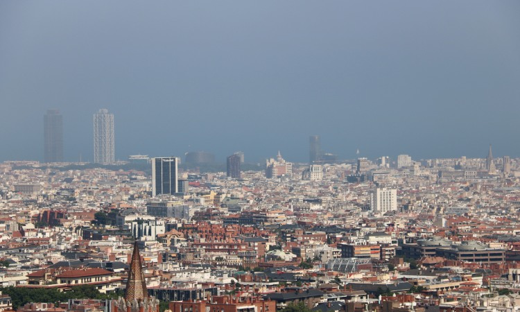 Més de 1.000 morts a l'any a la ciutat per la contaminació i la falta d'espais verds