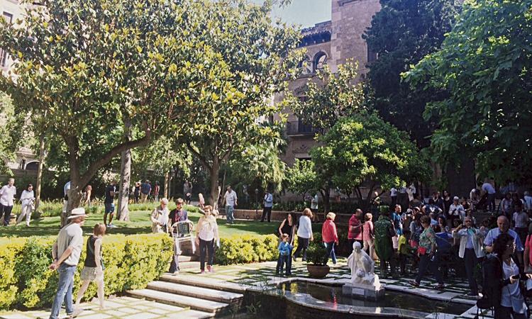 La biblioteca de Galvany, als Jardins de Muñoz Ramonet