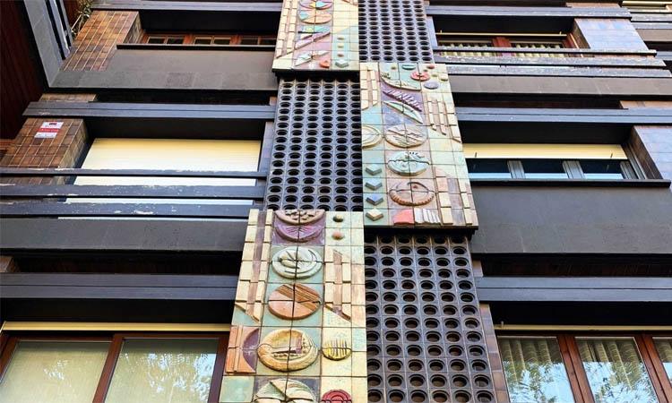 Els plafons ceràmics del bloc de Ganduxer es conservaran