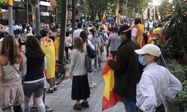 L'espanyolisme es manifesta a la Bonanova contra Sánchez
