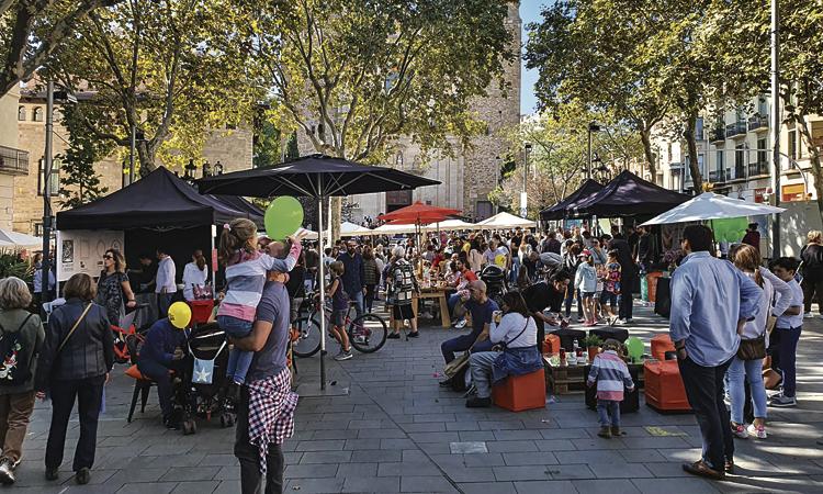La Mostra de Tardor de l'Eix Sarrià omple el barri