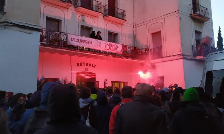 Aturat el desallotjament de la Buenos Aires