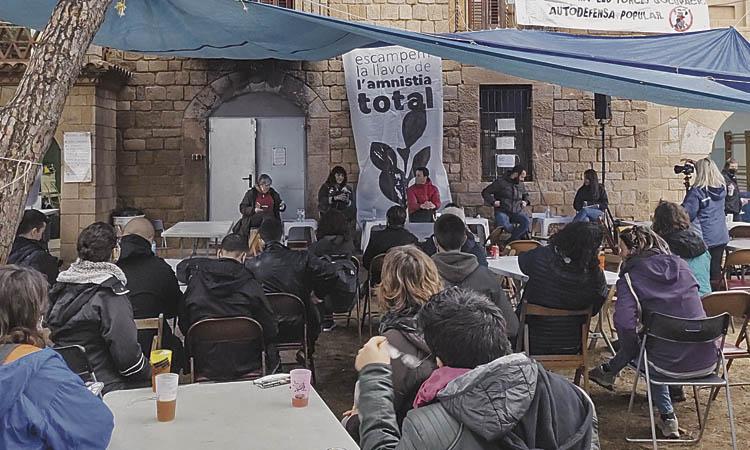 'Adri Et Volem a Casa' celebra la seva dissolució a Cal Suís