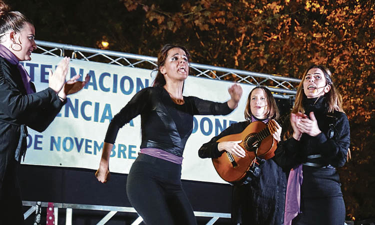 Més de setanta dones han patit violència de gènere a Esplugues