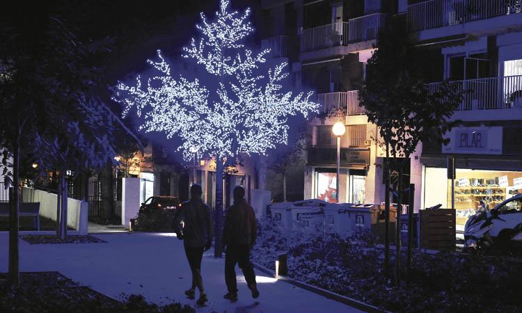 Una festa al parc de Can Freixes, inici de la campanya de Nadal a Sant Just