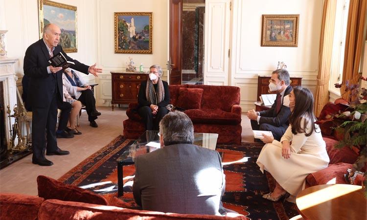 Els Reis entreguen el premi Cervantes a Joan Margarit