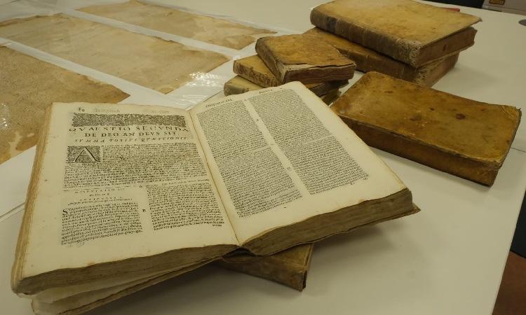 Can Codina entrega documents històrics a l'Arxiu de Sant Joan Despí