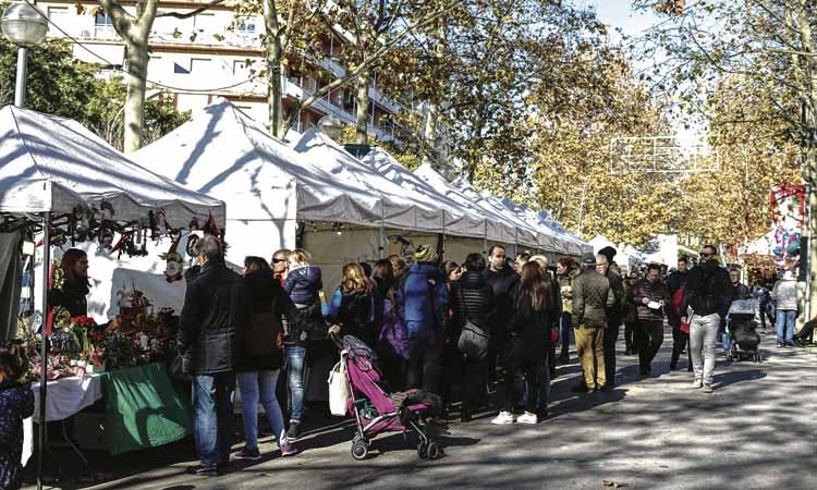 Èxit de les fires i mercats de Nadal d'Esplugues i Sant Joan