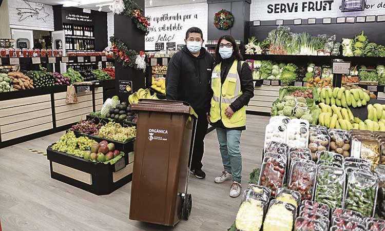 Sant Joan fomenta el reciclatge de l'orgànica entre comerciants