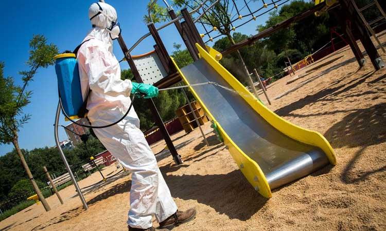L'AMB neteja i desinfecta a fons els parcs metropolitans