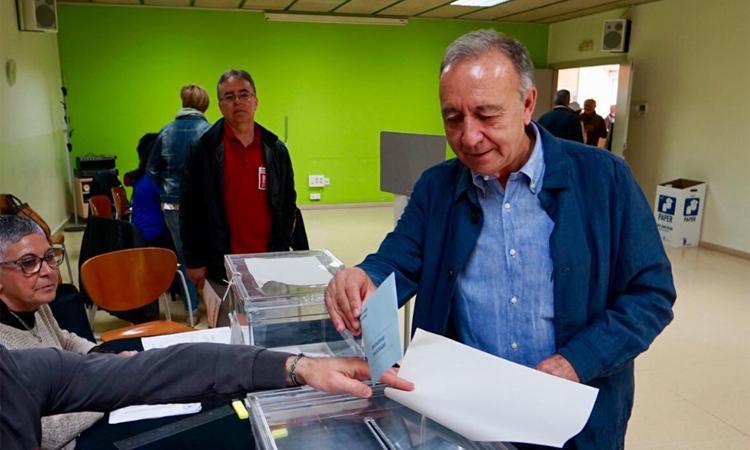 Poveda torna a guanyar a Sant Joan i el PSC manté la majoria absoluta