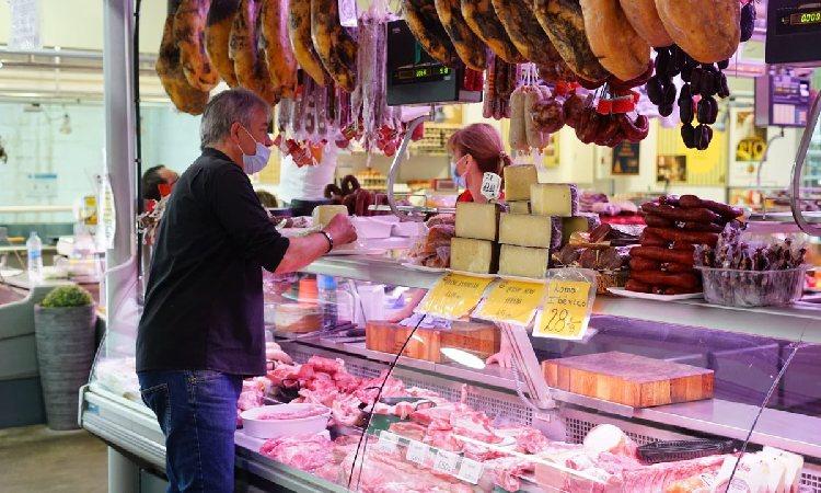 Els mercats d'Esplugues aposten pel comerç electrònic