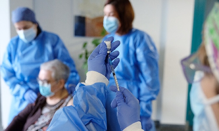 Europa autoritza la vacuna que es fabricarà a Sant Joan Despí