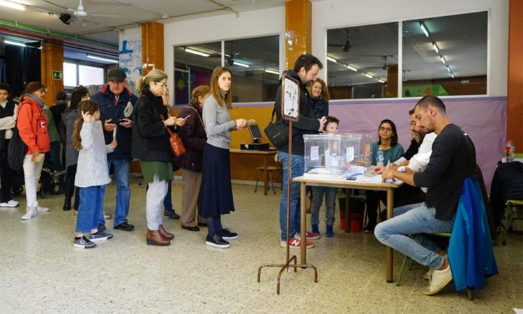 A Esplugues, la participació aquest 10N cau menys que la mitjana catalana