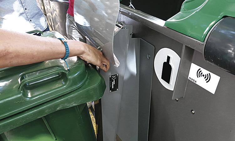 Esplugues vol que els comerços de la ciutat reciclin més i millor