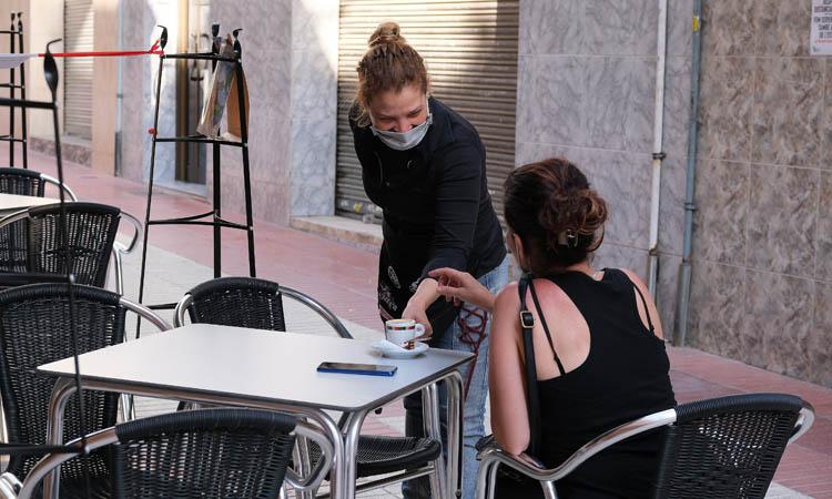 Esplugues, Sant Joan i Sant Just reclamen obrir bars i restaurants
