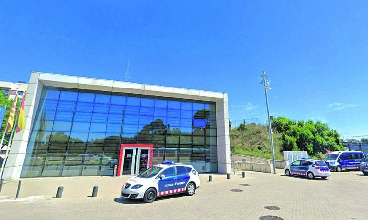 Un sindicat denuncia el risc de contagi que hi ha a la comissaria de Mossos d'Esplugues