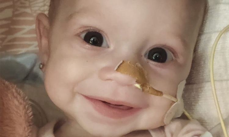La lluita de la petita Chloe contra una malaltia minoritària