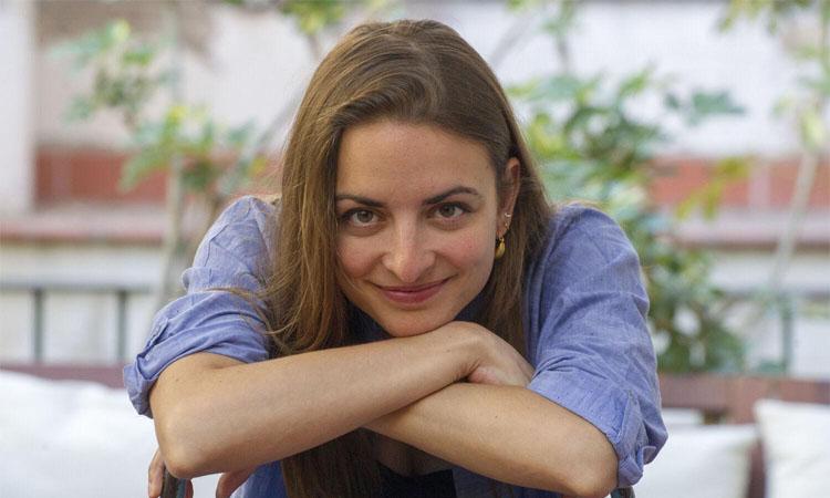 Irene Solà presenta la seva última obra al Cafè amb Lletres de Cerdanyola